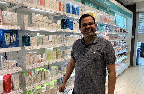 TOK INITIATIV: Spydebergingen Gulzeb Aziz åpner sitt andre apotek som er tilknyttet en Rema-butikk. Det andre er i Skiptvet. I tillegg har flere andre apotek på Østlandet.