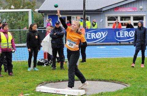SØLV: Sofie Overland gjorde også i år en god figur i Lerøy-lekene. 14-åringen kunne reise heim fra Måndalen med sølv.