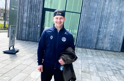 KOSER SEG: Christian Kåsastul koser seg på tur i Danmark før ferden kanskje går videre til Riga i neste måned. Foto: Privat