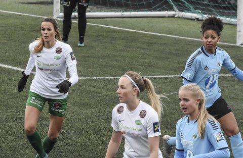 SCORET: Mari Fuglseth Aakre scoret Snøggs eneste mål i 1-4-tapet borte mot Hønefoss. Her fra treningskampen mot Fløya forrige helg.