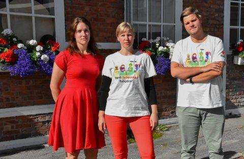 ALVORLIG: Utviklingen med 123 flere barn fra lavinntektsfamilier er en alvorlig trend, mener Maren Njøs Kurdøl (f.v), Cecilie Lerstang og Tobias Drevland Lund.