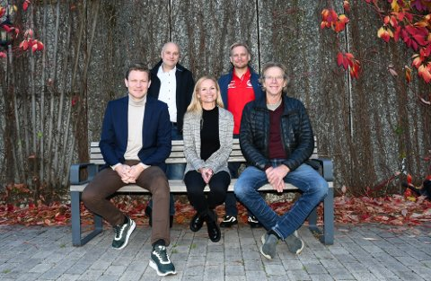 TELEMARKSVEKA: Fra venstre: Prosjektleder Tormod Hynne, Terje Mognes, daglig leder Marianne Dale, leder i Heddal Ski Ole Bjørn Mælandsmo og Terje Wold.