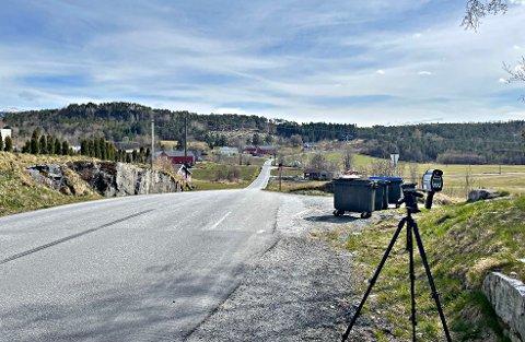 UP kontrollerte trafikken på fylkesvei 680 ved Vågshaug i Aure.