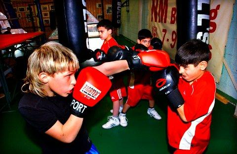 SPED START: Fra TK-treningen i 2005. Foran til høyre Hadi Srour, bak er broren Amin Srour og fetteren Ali Srour.