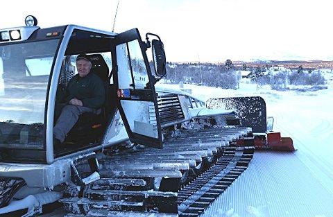 Denne maskinen skal byttes ut. Lage Westerbø styrer med sikker hånd. Foto:Arkiv
