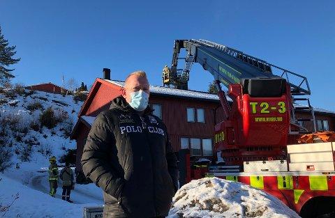 MERKETINGENTINGINNE:Peter Ski Tuhaug og familien i rekkehuset i Kvernstuveien har fått fyringsforbud til over helga etter pipebrannen.