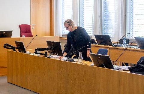 OMSALGAVKLÆR:Hilde Thorkildsen fikk tirsdag mye støtte for det hun selv forklarte i tingretten sist uke om samarbeidet med en selger for Thorkildsens firma Bare Fine Klær AS.