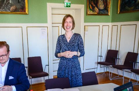 GJØR DET DYRT Å BYTTE: Studenter får høyere studiegjeld om de bytter studie før graden er fullført om regjeringen og minister Iselin Nybø (V) får viljen sin.