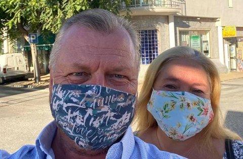 Johnny og Anne Elin Stahl bor i Spania, og for tiden går det i munnbind i 35 graders varme. Foto: Privat