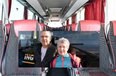 KJØRTE BUSSEN: – Dette er fryktelig trist, sier ekteparet Ingvar og Silje Landa, som driver Ingvars Reiser.  FOTO: Per Thime