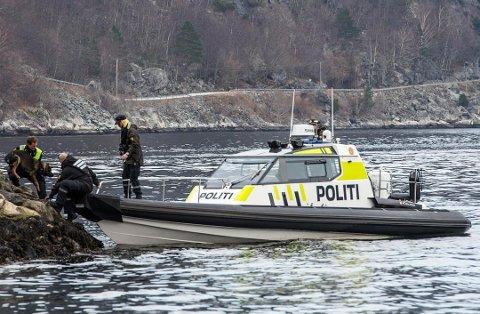 Politibåten «Kjølen» har eintopphastigheit på 102 knop, eller nærare 190 km/t.