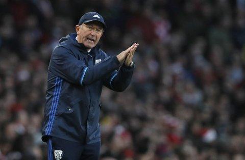 Tony Pulis har etterhvert fått sving på Middlesbrough som før ukens midtukerunde ligger på direkte opprykksplass i Championship.   (AP Photo/Kirsty Wigglesworth)