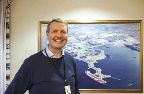 Sturle Bergaas har tidligere vært sjef for Kollsnes og Sture, og har nå startet som direktør for Mongstad-raffineriet. – Det er en stor organisasjon, med mange dyktige folk, sier han.