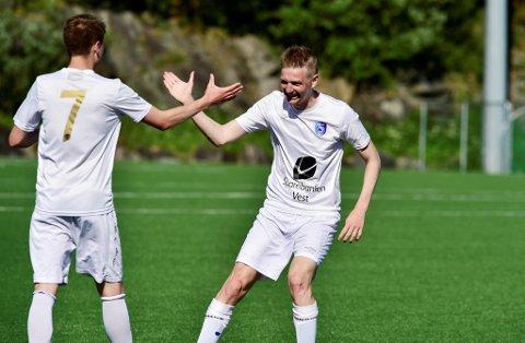 Erik Huseklepp koser seg fortsatt med fotballen, søndag avgjorde han for Fyllingsdalen mot Brann 2.  Men opprykk til 2. divisjon blir vanskelig, topplaget Frigg ser litt for gode ut til å snuble.