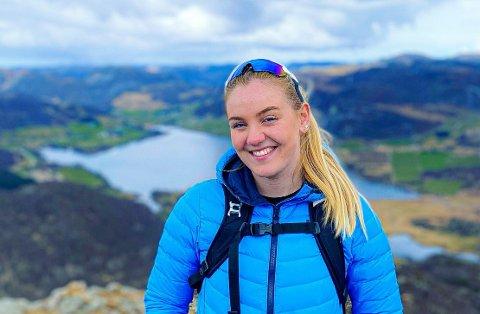LISTE MED TOPPTURER: Thea Austbø føler det er fint med toppturer, og ønsker gjerne å ta flere på én gang.
