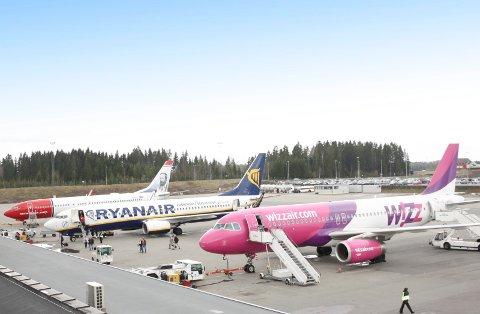 POLEN: Svært mange polske arbeidere reiser til og fra hjemlandet fra Torp Lufthavn Sandefjord med fly fra Wizzair.
