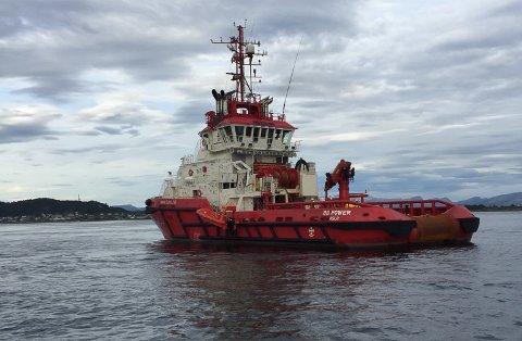 BB Power er eigd av Bukser og Berging og kom frå Stavanger for å trekke Freyja i av grunn. Slepebåten har heile 9100 hestar.