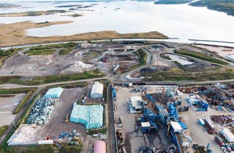 MUDDER: Innseilingen til Borg Havn (høyre side) er den delen av prosjektet det haster mest med, ifølge havnedirektør Tore Lundestad.