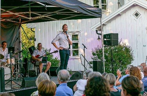 Det blir ny sommerkonsert med Erik-André Hvidsten på gården i Borge, og som i fjor er det 200 gjester som gjelder. Men duettpartneren og gjesten er den yngste i rekken så langt: Ingeborg Walter (21).