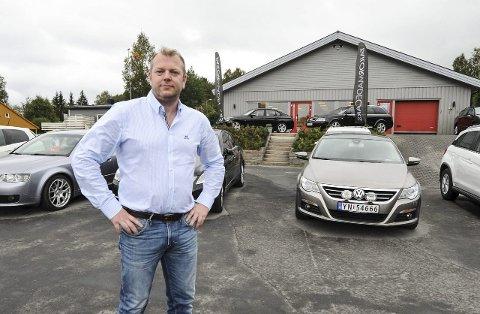 Dømt: TailorMadeCars ble 9. november dømt i Ofoten tingrett etter å ha solgt en bil som de ikke leverte. På bildet er daglig leder Richard T. Pettersen. Arkivfoto: Lone Martinsen