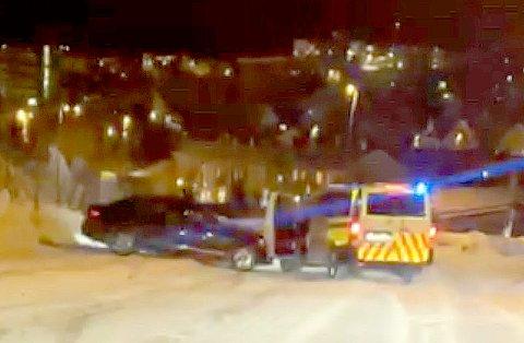 PÅGREPET: Her blir en mann i begynnelsen av 20-årene pågrepet av politiet i Narvik etter tips om ruskjøring.