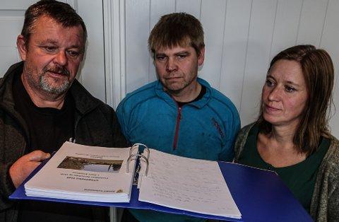 FANT FEIL: Fra venstre Roger Bekkemoen, Einar Toverid og Ingrid Folkvord Mehl, alle Åsnes Sp, har funnet feil i tallmaterialet i skoleutredningen.