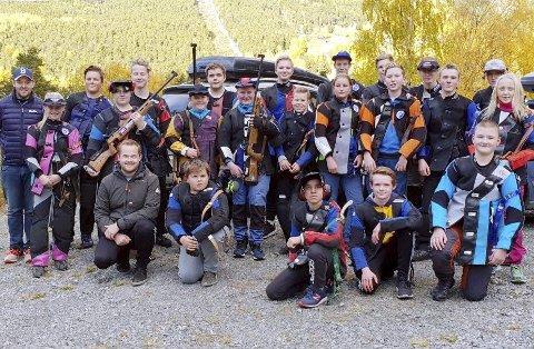 Solid oppmøte i Skjåk da Ungdomsutvalget i Gudbrandsdal Skyttersamlag arrangerte treningssamling for dalens ungdomsskyttere. Foto: Privat