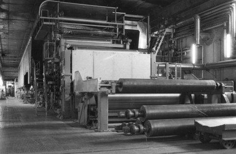 SLUTT: Det er stille i fabrikklokalene til Ankers høsten 1982 etter beslutningen om å innstille driften for godt. Arkivfoto: Arild Brunvand