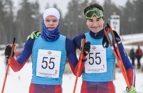KM-gull. Filip Holt (tv) og Johan Unneberg ble kretsmestere i sprintstafett klasse M18.