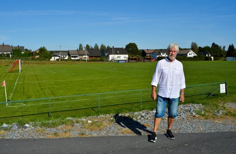 EKTE TTIF-ER: Han begynte å sparke fotball for TTIF da han var sju-åtte år og fikk sitt første styreverv som 15-åring. Nå har Tron Grandal vært med i hovedstyret i 40 år. – Uansett hvem jeg har spurt om hva som helst i klubben, så er det ingen som har sagt nei, sier han.