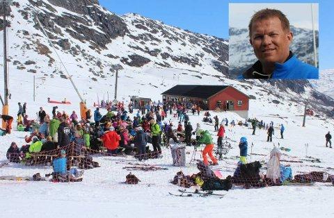 Røldal skisenter hadde heilt greie besøkstal, ifølge dagleg leiar Oddvar Bratteteig (innfelt). Her frå skjærtorsdag.