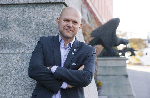 VIL SELGE UNNA: Høyre og Jarle Utne-Reitan vil selge boligtomter og kommunale bygg, for å hindre at lånegjelden blir like stor som rådmannen foreslår. FOTO: Alf-Robert Sommerbakk
