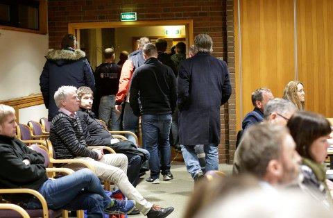 Tilhørerne fra motorsportmiljøene på Haugalandet  forlot møtet etter at deres spørsmål var blitt informert om.