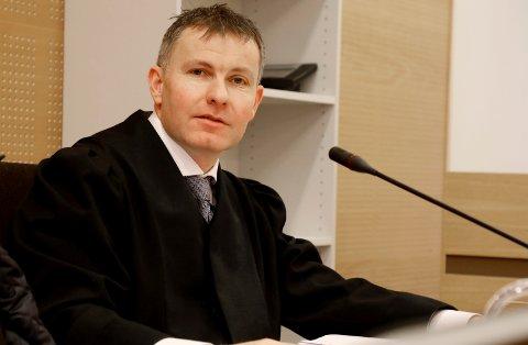 PÅ FEIL SIDE: Bjarte Myklebust er vanligvis aktor i straffesaker, som på dette bildet fra 2018. Nylig møtte han i retten som tiltalt.
