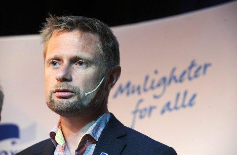 Helseminister Bent Høie må svare på spørsmål om den fremtidige Helgelandssykehuset 2025.