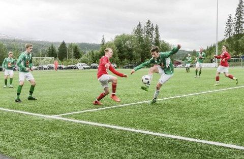 UAVGJORT: Mandagens oppgjør mellom Grane og Olderskog på Vegset endte til slutt 1-1. Foto: Ivar Forsjord