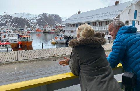 STRAKS TILBAKE: Birgit Lähdesmäki Johansen og Tore Fosse er glad for å invitere folk igjen.