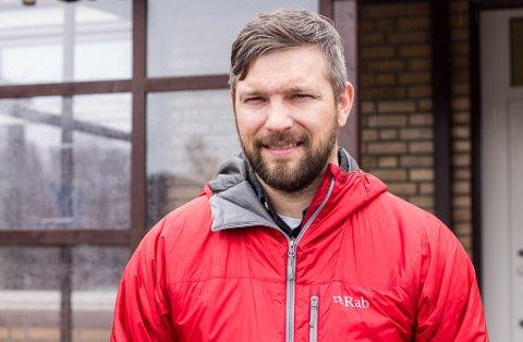 TAKKER: Fungerende ordfører i Vadsø kommune, Willy Pedersen, takker befolkningen for fellesinnsatsen under pandemien.