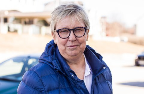 ORDFØREREN OPPFORDRER: Wenche Pedersen oppfordrer vadsøværinger til å følge smittevernreglene nøye fremover. Hun vil og at alle holder oversikt over nærkontaktene sine.