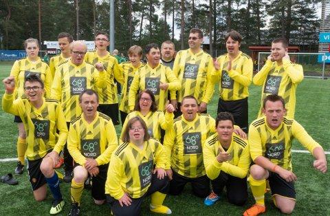 FÅR TRENE IGJEN: For gjengen i Harstad Tigers har det siste året vært langt fra normalen. Men nå kan de vaksinerte spillerne få komme på trening igjen.