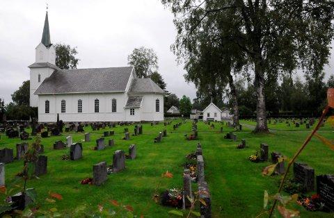 Trenger utvidelse: Innen utgangen av 2017, vil det ikke være flere ledige gravplasser ved Blaker kirkegård. Foto: Anita JAcobsen