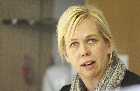 Ikke enig: Sandes ordfører Elin Gran Weggesrud liker ikke utspillet fra Holmestrands ordfører Alf Johan Svele om at det er skapt et fiendebilde av han i Sande. Foto: Jarl Rehn-Erichsen
