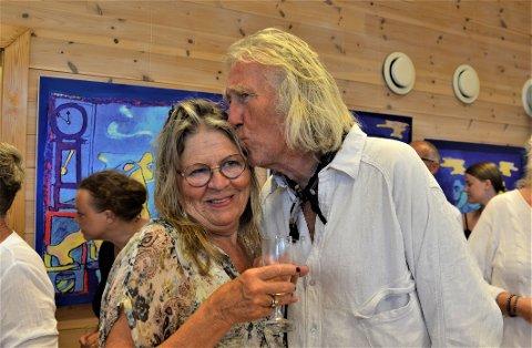 MANGEÅRIG EKTEPAR: Eyolf Soot Kløvig og Ingeborg Støren har Kragerø å takke for at de fant hverandre. Kilikk på pilene eller sveip for å se flere bilder.