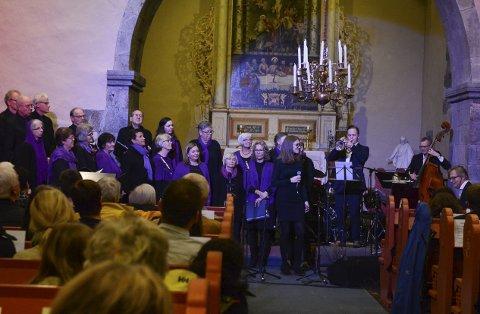 Det var første gongen Rosendal Songlag og Jazzverket hadde konsert ilag, og det blei ein stor suksess.