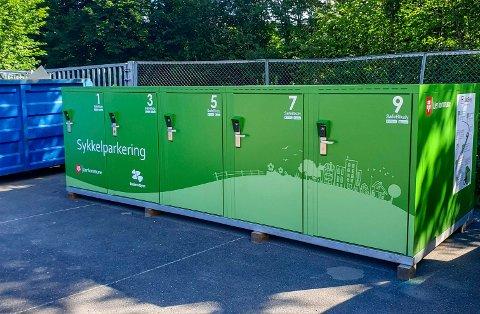 Sykkel på boks: Den nye sykkelparkeringen skal sørge for at syklene står trygt.