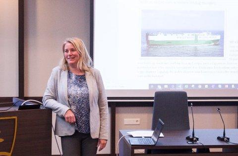 INGEN AVTALE: Kristine Vaølborgland avviser at det er inngått noen avtale om nye opplagsskip.