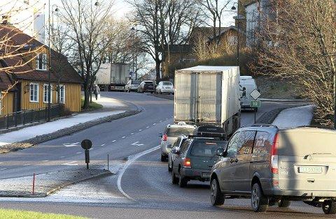 Køer: Riksvei 19 fra ferjen til E6 er ofte en sammenhengende kø og tettest trafikk.