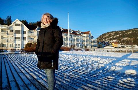 EIENDOMSSKATT: Førstekonsulent Marita Fjær i  Namsos kommune oppfordrer folk til å sjekke skatteseddelen for eiendomsskatt som akkurat er sendt ut.