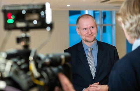 ADVARER:  Administrerende direktør i Eiendom Norge, Henning Lauridsen, advarer mot å kuppe leiligheter før budrundene. Foto: Jørgen Hyvang