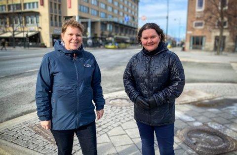 FORESLÅR ENDRINGER: Høyres Ingrid Skjøtskift og Frps Elin Marie Andreassen reagerer på flere ting som er forslått i ny gatebruksplan for Midtbyen.